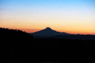 月と山 03